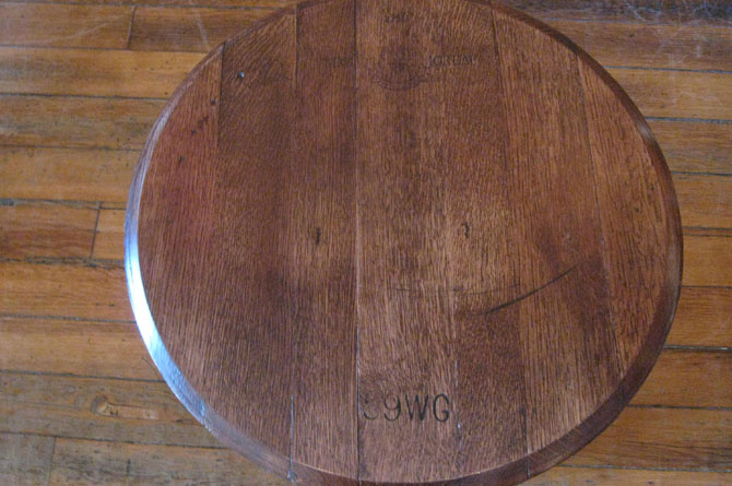 folding-barrel-head-table2.jpg