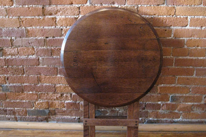 folding-barrel-head-table3.jpg
